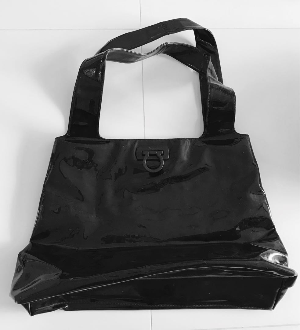 Authentic Salvatore Ferragamo large tote bag in black patent leather ... d35debafcef5e