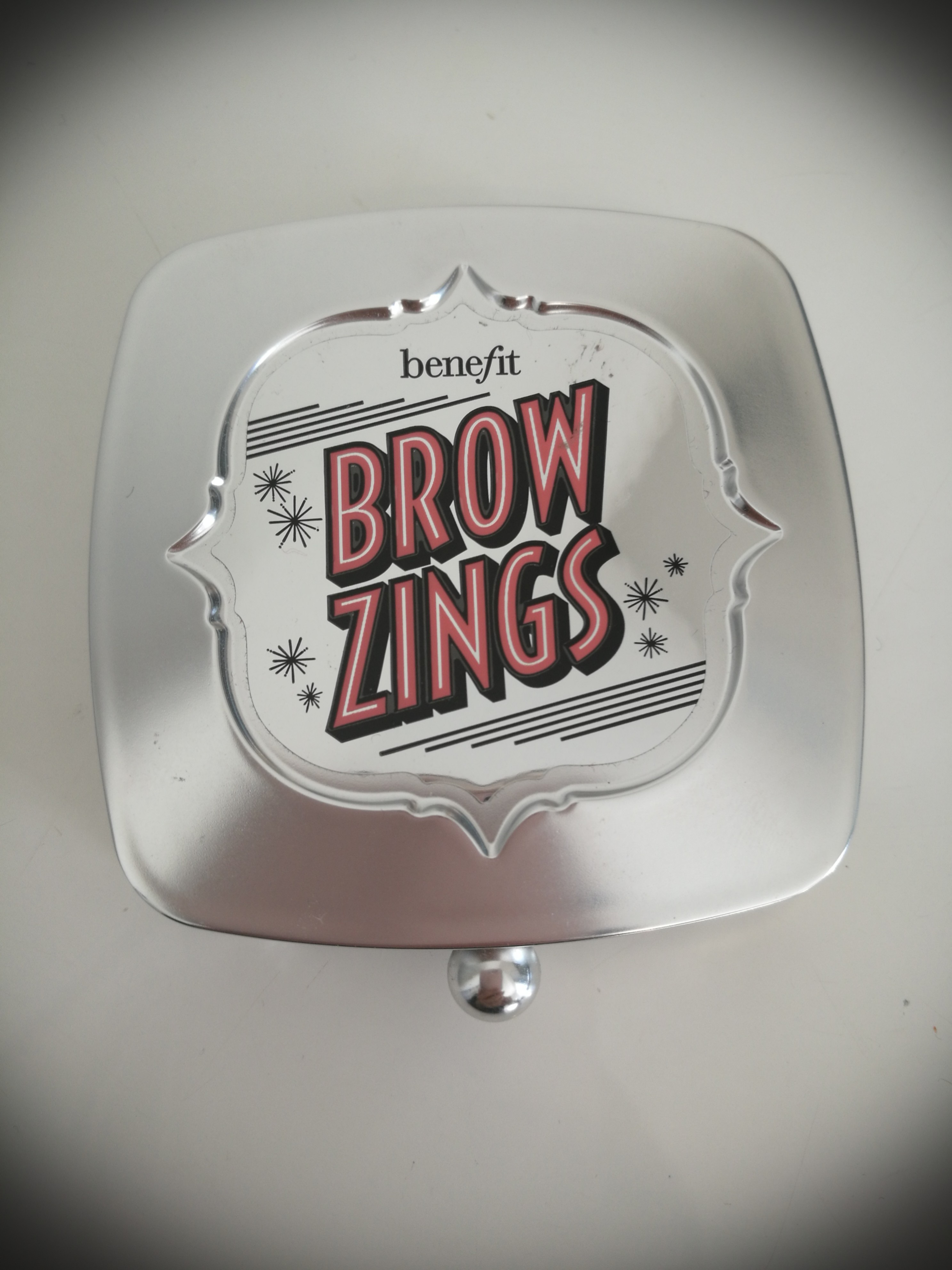 BENEFIT brow zings eyebrow shaping kit * FREE brand new lipstick*