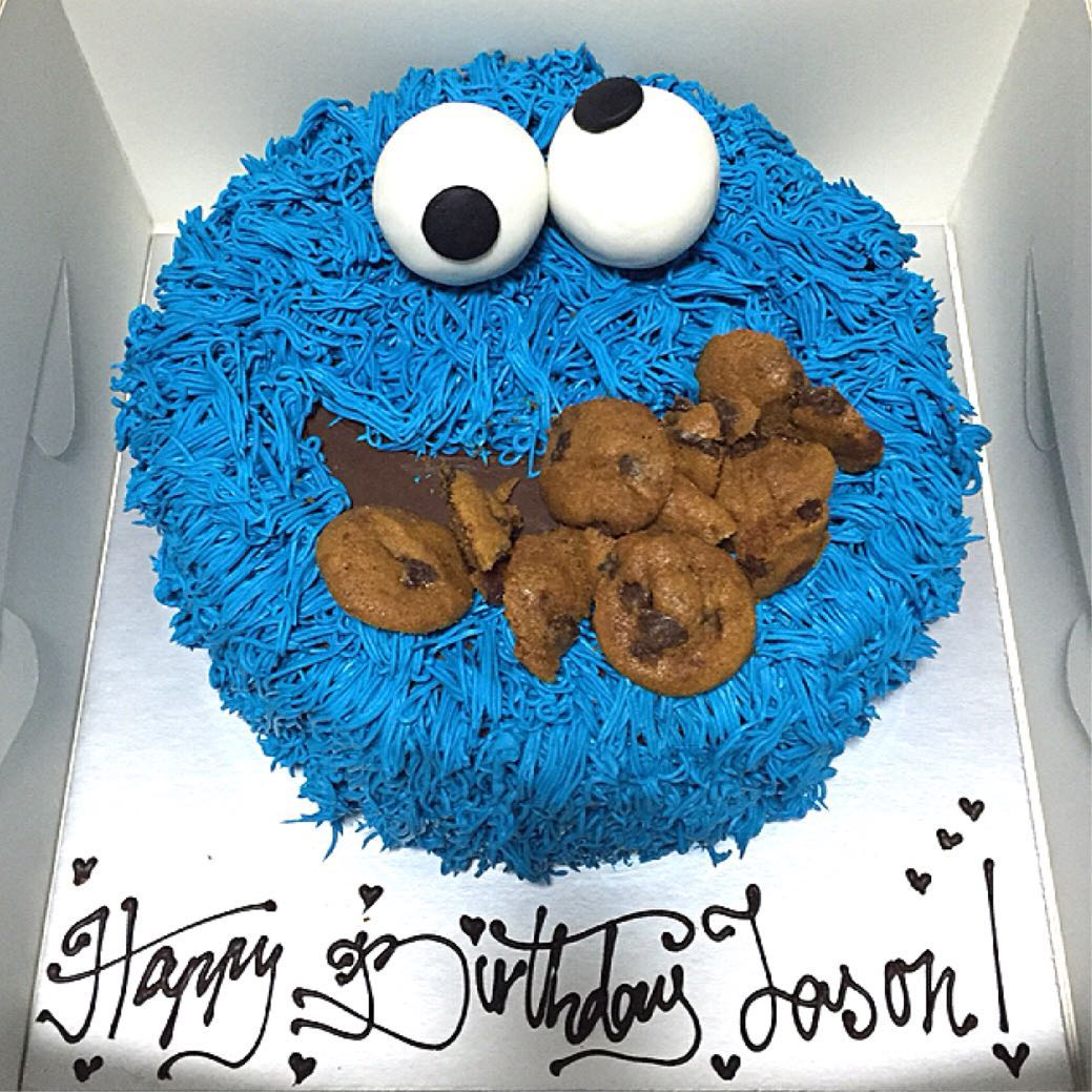 Cookie Monster Birthday Cake, Food & Drinks, Baked Goods on Carousell