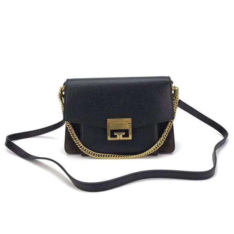 67b88673a5d Givenchy bag [SALE] , Luxury, Bags & Wallets on Carousell
