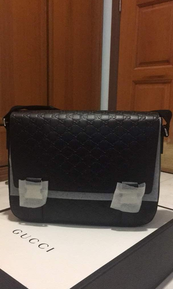 6e7627493 Gucci signature leather messenger, Luxury, Bags & Wallets, Sling Bags on  Carousell
