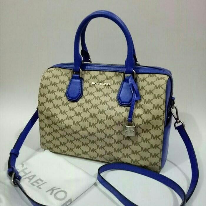 25ca7bbae43624 MK mercer duffle natural/electric blue 29 x 20 x 16 cm, Luxury, Bags ...