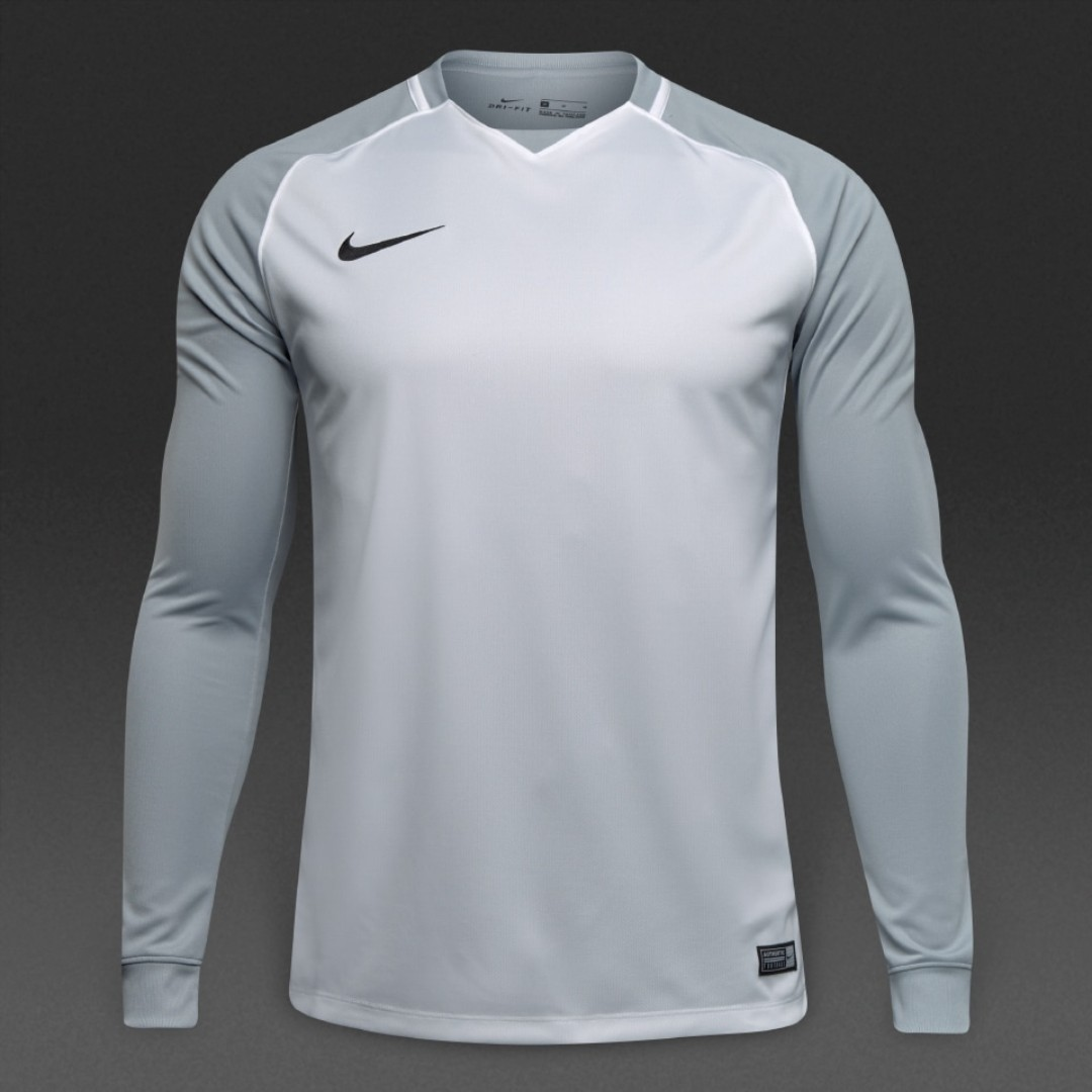 a6027c4c3 Nike Trophy III Long Sleeve Soccer/Football Jersey, Men's Fashion, Clothes,  Tops on Carousell
