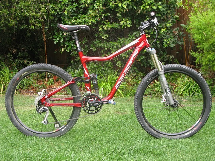 b62a5836f10 Rocky Mountain Altitude 70, Bicycles & PMDs, Bicycles, Mountain ...