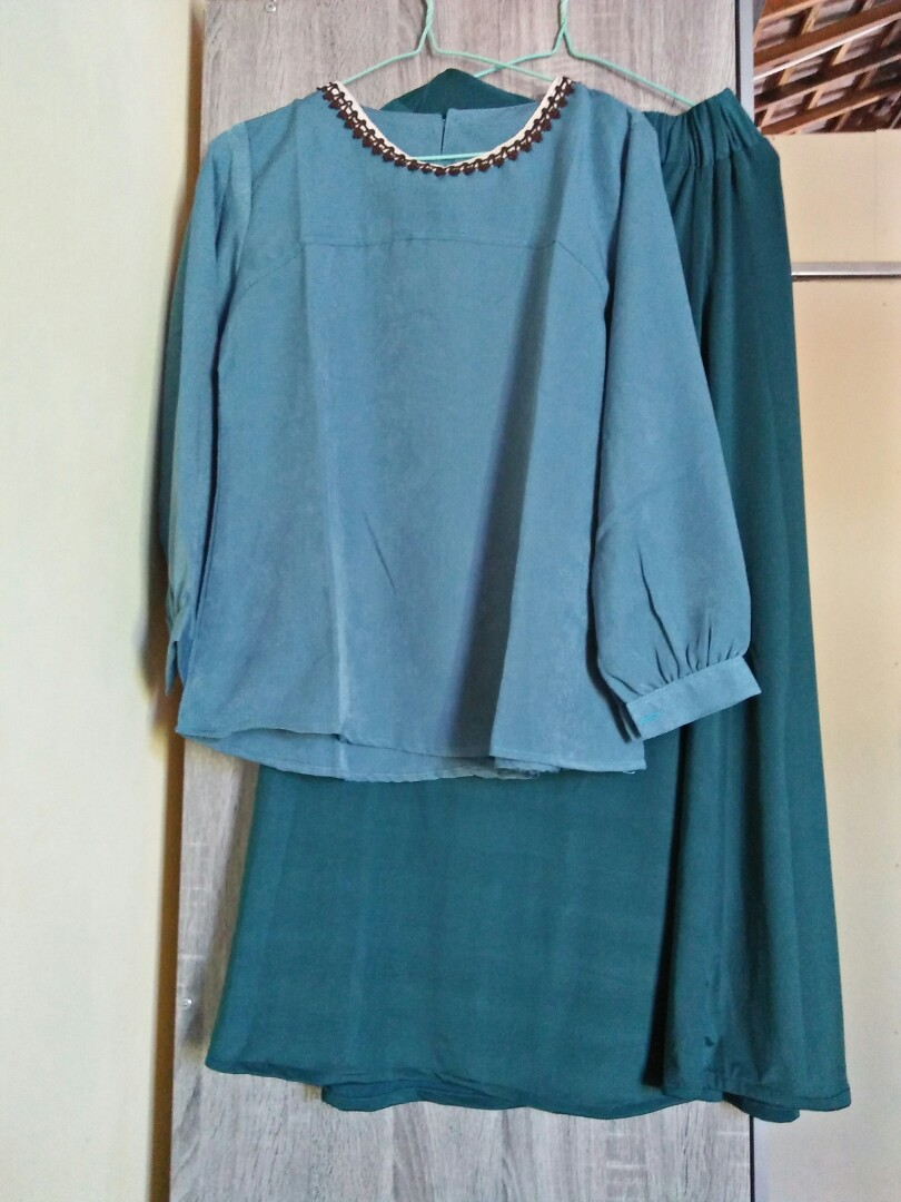 Rok panjang dan blouse polos, Women's Fashion, Muslim Fashion on Carousell