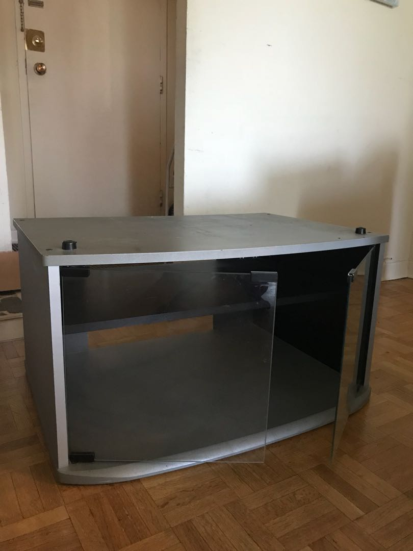 Smal TV stand