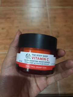 Body shop Vit C glow bosting moisturiser