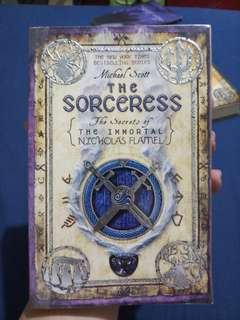The Sorceress by Michael Scott (The Secrets of the Immortal Nicholas Flamel Book 3)