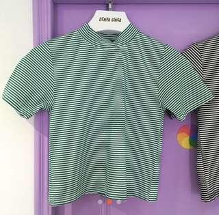 🚚 綠色細條紋短版T