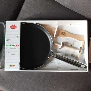 Repriced Brand new Cookin'italy crepes set low price