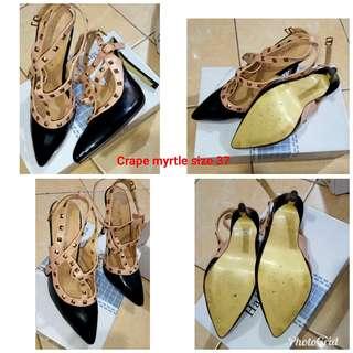 Sepatu Crape Myrtle