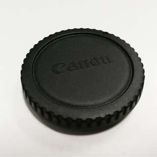 Original Canon body and rear lens cap