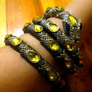 Coiled Snake Bracelet / Armband