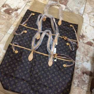 LV Neverfull Monogram