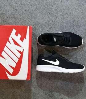 Nike TANJUN trainer ORIGINAL