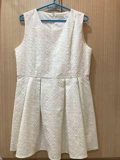 🚚 全白洋裝