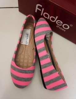 Sepatu branded .....