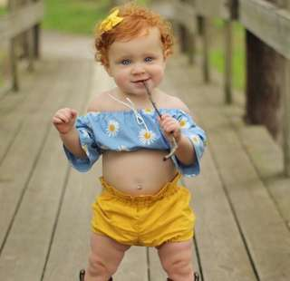 2pcs Baby Girls Off-shoulder Floral Top+Yellow Shorts