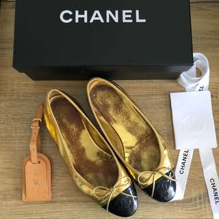 Chanel gold and black ballerina flats - size 39