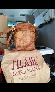 Alviero Martini Rare Sling Bag