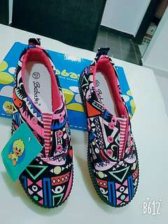 Abstract Korean shoes