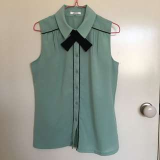 Valleygirl mint sleeveless blouse