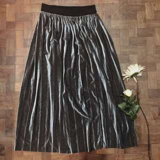 elegant silver maxi skirt