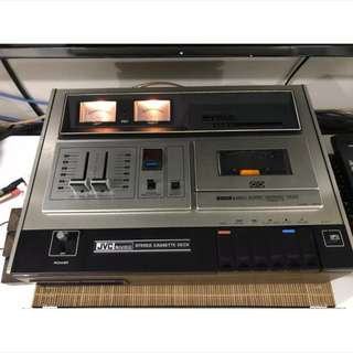 Audiophile JVC cassette deck vintage and retro. audiophile Stereophile hifi