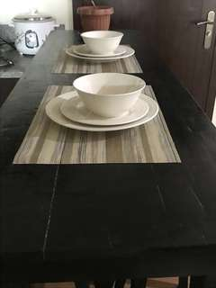 Bar table set ( 4chairs)
