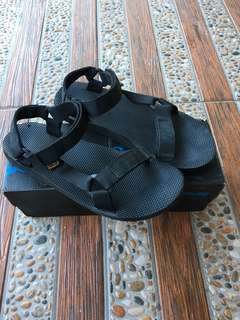 Teva Sandals: Black Original Size 43 Like New not vans redwing eiger