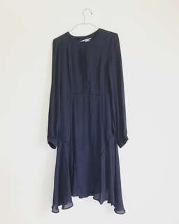 H&M navy blue long sleeved dress in printed fabric
