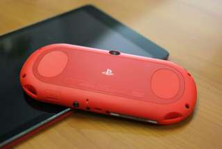 Ps vita 2000 not modded red black