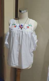 Open shoulder floral top