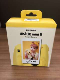 Instax Mini 8 - Yellow + 1 instant film + battery