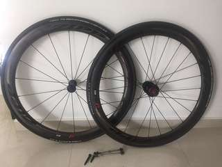 Zipp 303 clincher wheelset