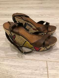 ALDO Wedge Size 36