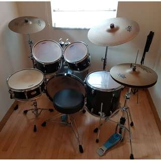 Yamaha Stage Custom Birch 5 piece drum set