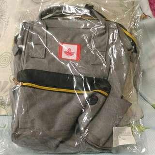 破盤) 新款功能後背包 可以手提,也可以双肩後背
