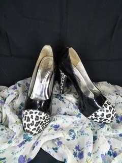 Heels leopard