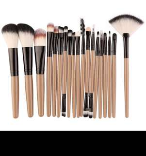18Pcs Makeup Brushes Set Foundation Powder Blush 10pcs Eyeshadow Eyeliner Lip Cosmetic Beauty Make up Brushes Kit Tools
