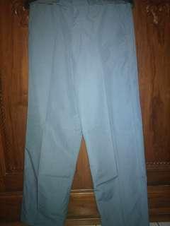 Celana seragam SMA