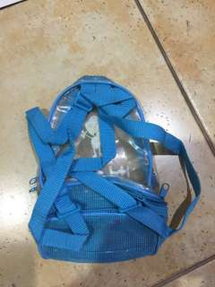 Girl's backpack pwedeng baunan ng food sa school