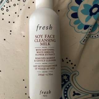 Fresh Soy Face Cleansing Milk 200ml 大豆輕柔卸妝潔面奶