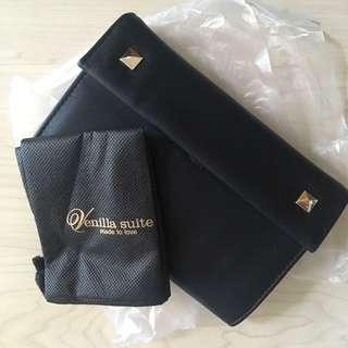 Venilla suite wallet clutch in black