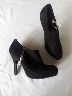 cfe15a071d13 High heel ankle boots