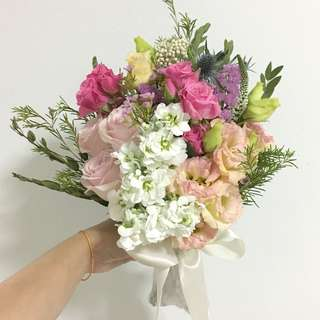 Bridal Bouquet in White and Pink Rustic Bouquet / Front Facing Bouquet in Roses and Mix Fillers