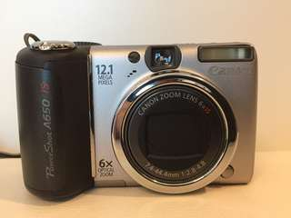 Canon PowerShot 650 IS with Bag