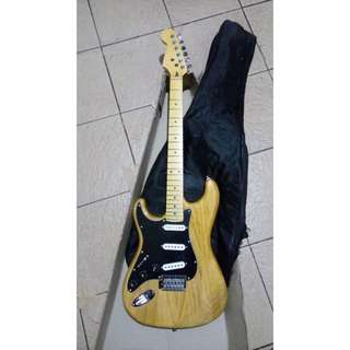 Gitar Electric SATRIA (left handed)