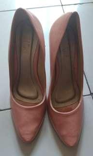 Heels alive