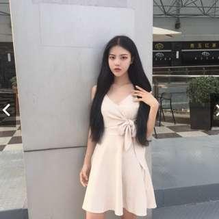 韓國新款復古V領 細帶 收腰 小心機設計感 蝴蝶結 純色百搭 吊帶連衣裙 洋裝 禮服 宴會 謝師宴 舞會